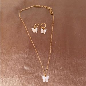 White butterfly necklace set